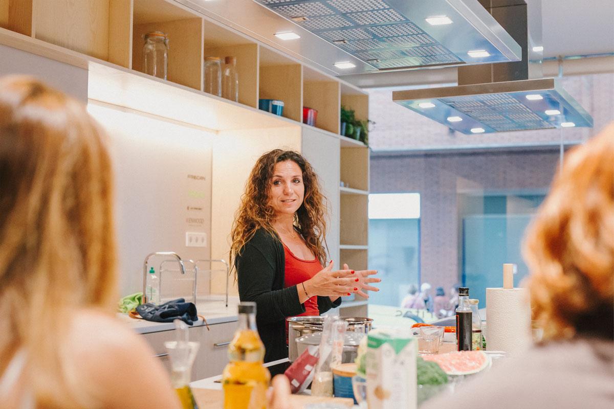 Mireia Anglada imparte la segunda edición de cocina saludable