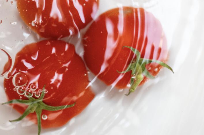 pelar_tomates